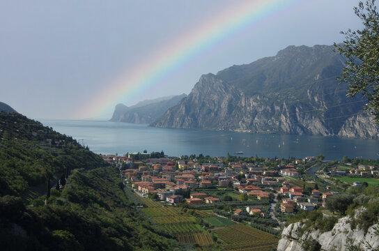 Regenbogen über Gardasee Torbole