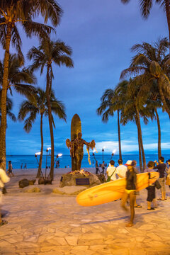 statue of Hawaiian surf legend and icon Duke Kahanamoku at the beach at Waikiki in Honolulu