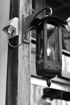 店の前を照らすお洒落な外灯