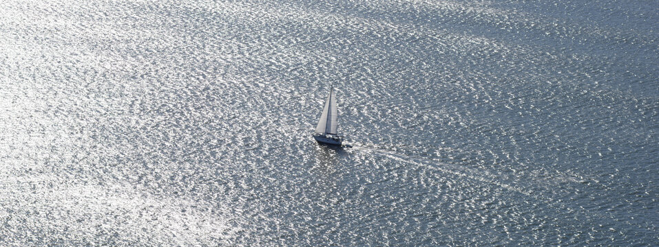 Saling boat in the middle of the ocean 2