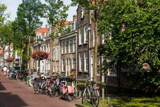 Alte Häuser von Delft.