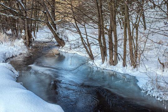 Bächlein im Winter