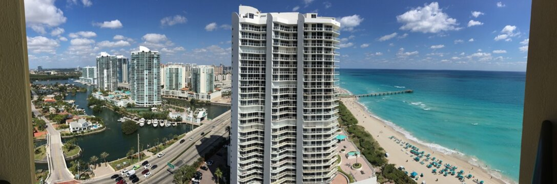 view of building Sunny Isles Beach