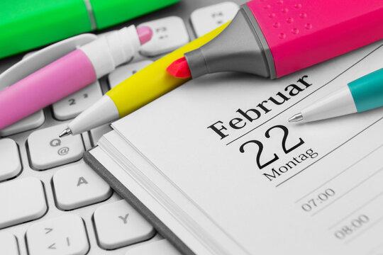 Kalender Montag 22. Februar 2021 und PC Keyboard
