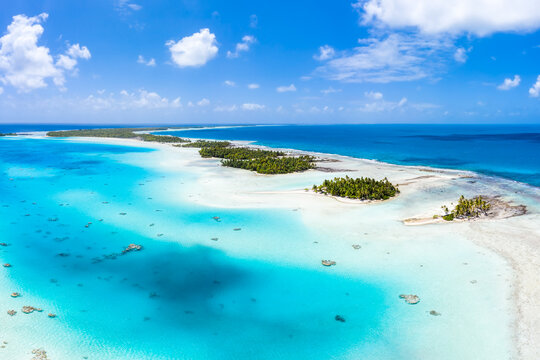 Aerial view of the blue lagoon on Rangiroa, Tuamotu Archipelago, French Polynesia