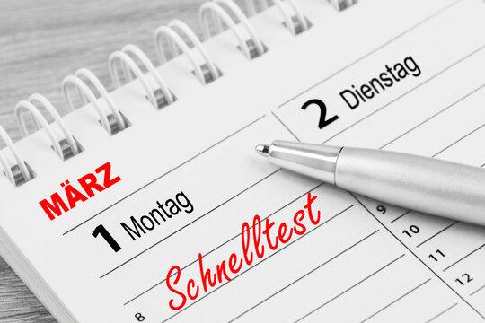 Corona-Schnelltest und Kalender 1. März 2021