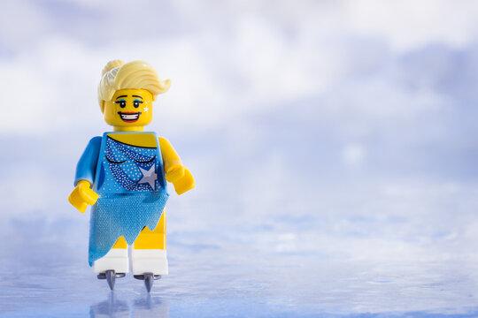 Lippstadt - Deutschland 17. Februar 2021 Lego Eisläuferin
