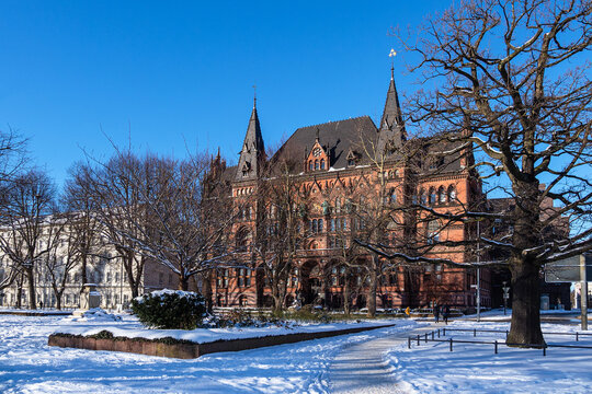 Blick auf das Ständehaus im Winter in der Hansestadt Rostock