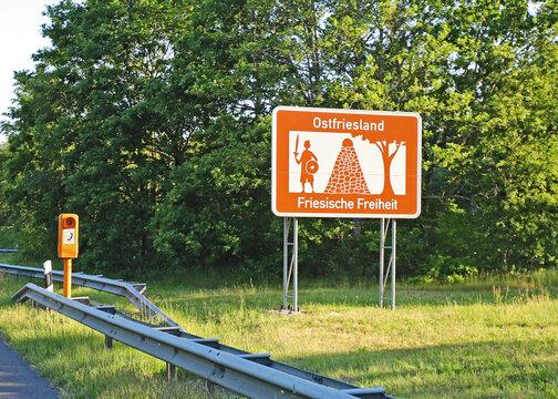 Ostfriesland - Tourismusschild Autobahn