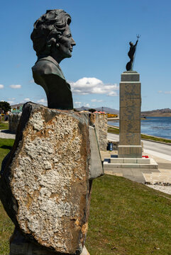 Bronze of Margaret Thatcher beside the 1982 Liberation Monument in Stanley, Falkland Islands