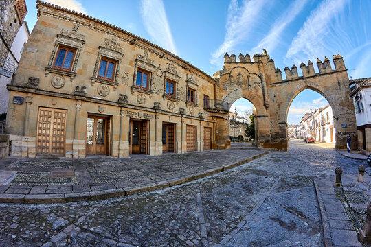 Puerta de Jaen, built in 1521, and Arco de Villalar (left hand side) in the Plaza de Populo (also called Plaza los Leones), Baeza, Jaen Province, Andalusia, Spain, Western Europe.