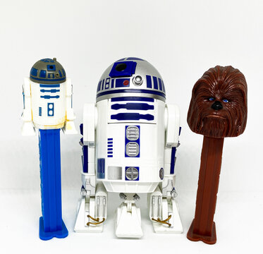 Star Wars Pez dispensers with toy R2D2