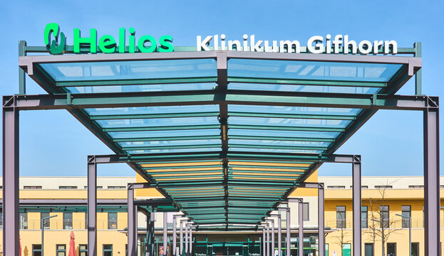 Roofed entrance portal of the Helios Kliniken Group in Gifhorn, Germany, February 20, 2021