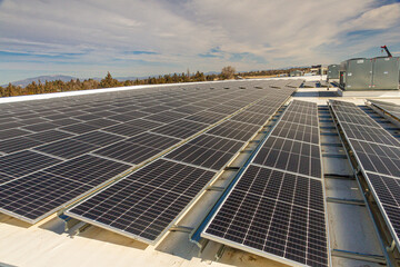 Obraz Warehouse roof with solar panels in central Oregon - fototapety do salonu