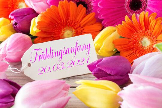Frühlingsanfang 20.03.2021 und Blumen mit Label