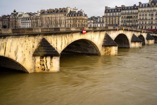 Paris Monument 1053