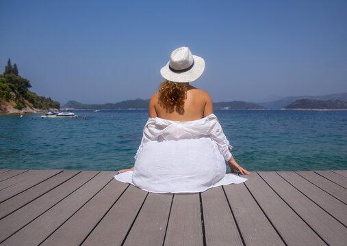 ptretty woman on resort
