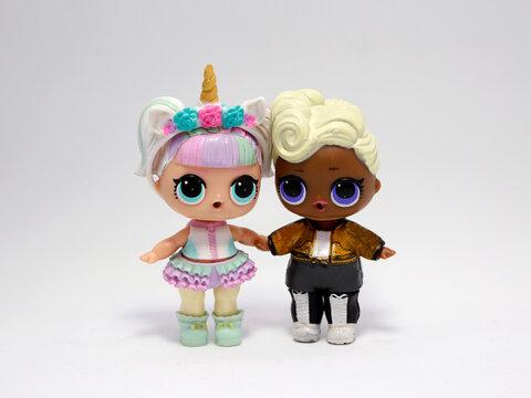 Title Lol Surprise Dolls. L.O.L. dolls surprise. Unicorn doll.  Person of color.  Afro descendant. Unicorn L.O.L. dolls surprise. Surprise dolls to open and discover.
