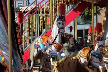 Koń na karuzeli - fototapety na wymiar