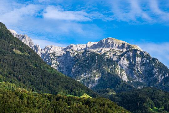Blick auf Berggipfel im Berchtesgadener Land
