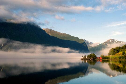 View over Romsdalsfjorden