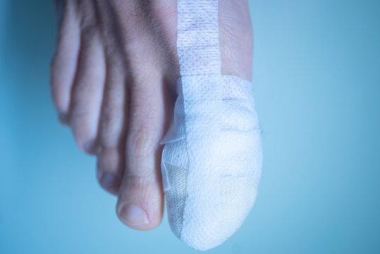 Foot big toe bandage injury