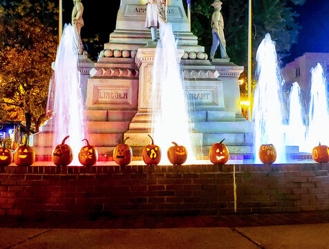 Fountain in the Circle for Halloween, Easton PA