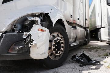 Obraz Damage closeup on white truck. - fototapety do salonu