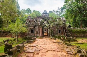 Beautiful shot of the Angkor Park in Siem Reap, Cambodia Wall mural