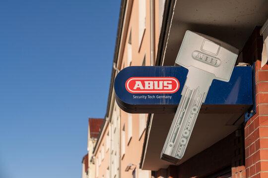 Deutschland , Calau , 03.03.2021 , Schild von der Sicherheitsfirma ABUS