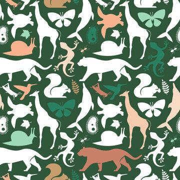 Green wild animal icon seamless pattern