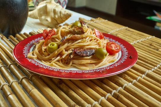 Salsa spaghetti with sardines
