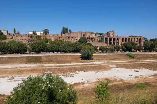 Italy, Rome, Circus Maximus ancient stadium and ruins on Palatine Hill