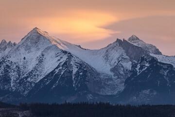 Tatry o wschodzie słońca