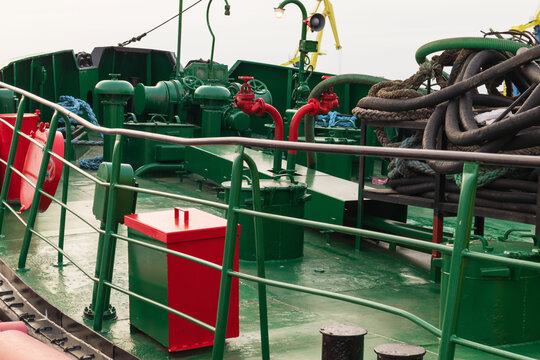 Green fire ship deck with red pipes
