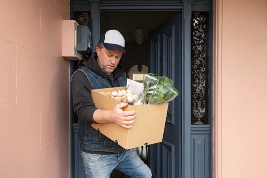 Meal kit delivery