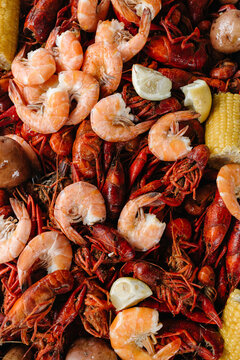 Crawfish / Crayfish and boiled shrimp and corn
