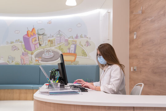 Receptionist At Clinic