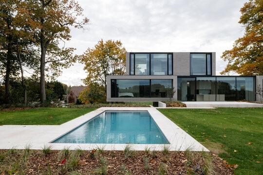 residence & pool