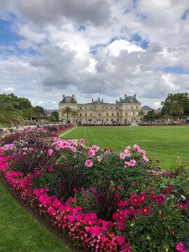 El Palacio de Luxemburgo es un palacio francés del siglo XVII