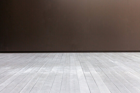 Smooth Surface Wall And Rough Surface Floor