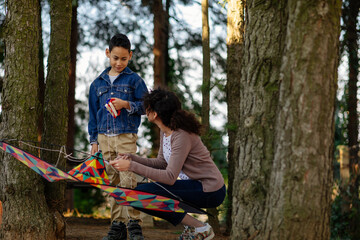 Obraz Black children playing wit kite outdoors - fototapety do salonu