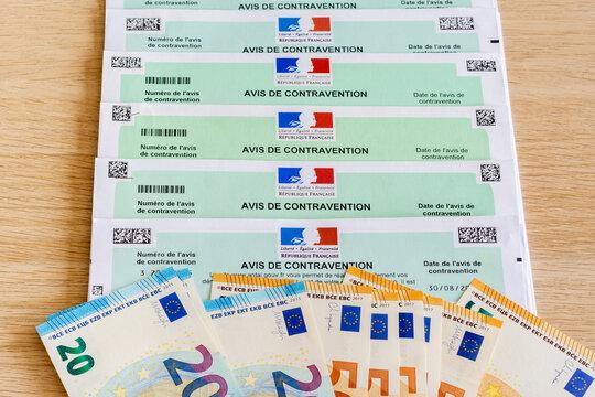 Avis de contraventions pour infractions au Code de la Route, en France. Et billets de banque en Euros