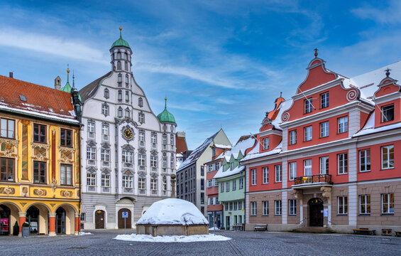 Memminger Rathaus im Winter, Memmingen, Bayern, Deutschland