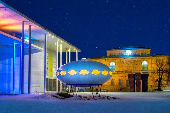 Pinakothek der Moderne in München, Bayern, Deutschland