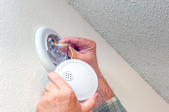 Preparing To Replace a Smoke Detector Battery