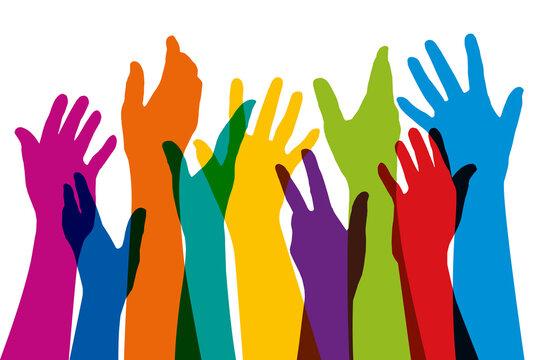 Concept de la cohésion d'un groupe, avec des silhouettes de mains levées de couleurs différentes, pour symboliser l'union et la diversité.