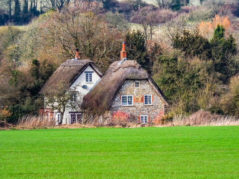 horizontal, housing, luxury, peaceful, property, real estate, residential, retirement, english, farmhouse, lawn, quaint, pretty, vibrant, britain, british, england, grounds, home, european, exterior,