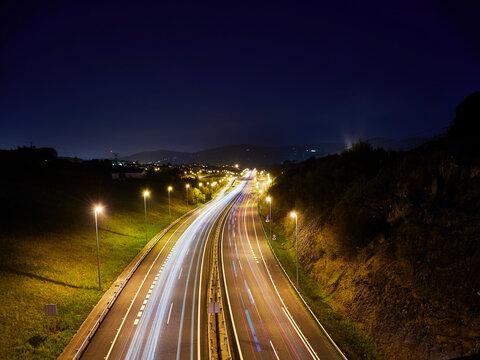 Larga de exposición  nocturna en autovía Hernani Urnieta