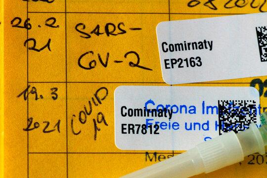 Impfpass mit Covid-19 Impfeintrag
